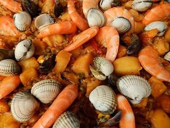 Insieme di pesci, crostacei e molluschi ricchi di allergeni